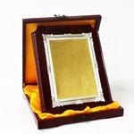 Снимка от Дървен плакет с рамка и златно-сребърно фолио - 20x25 см.